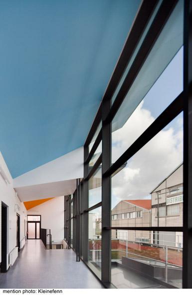 http://mikoustudio.com/wp-content/uploads/2012/11/08-bailly-vue-dans-la-vitree.jpg