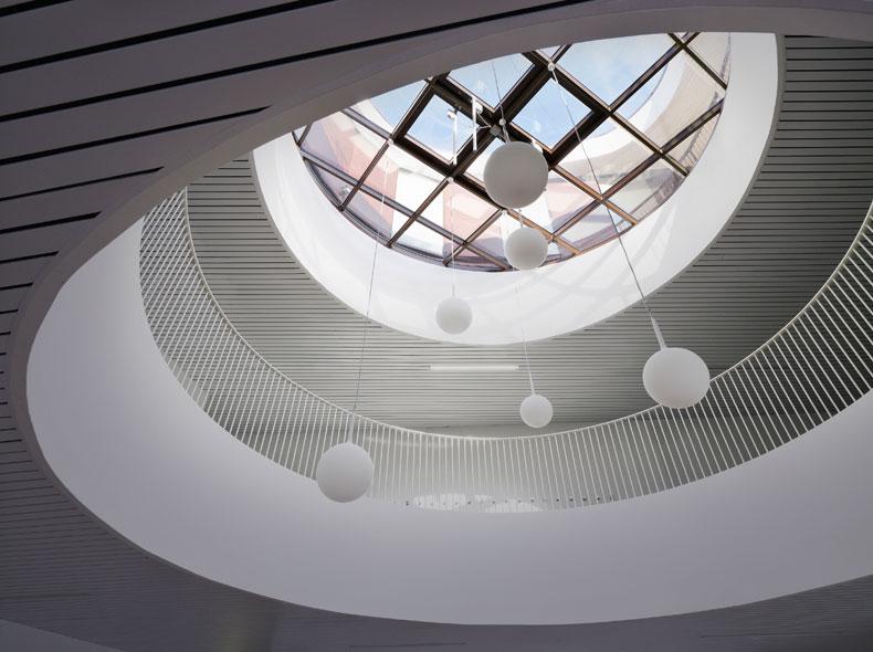 http://mikoustudio.com/wp-content/uploads/2012/11/14-Miks-Bobigny.jpg
