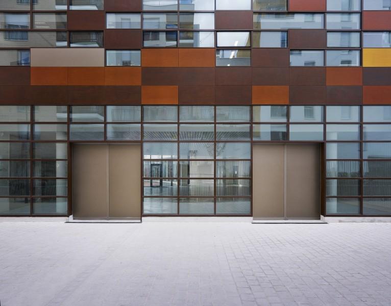http://mikoustudio.com/wp-content/uploads/2012/11/Com_Mikou_Bobigny_ecole_LOW-766x600.jpg