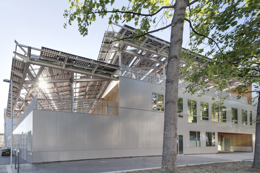 http://mikoustudio.com/wp-content/uploads/2012/11/MIKS-Zero-Energy-School_71-900x600.jpg